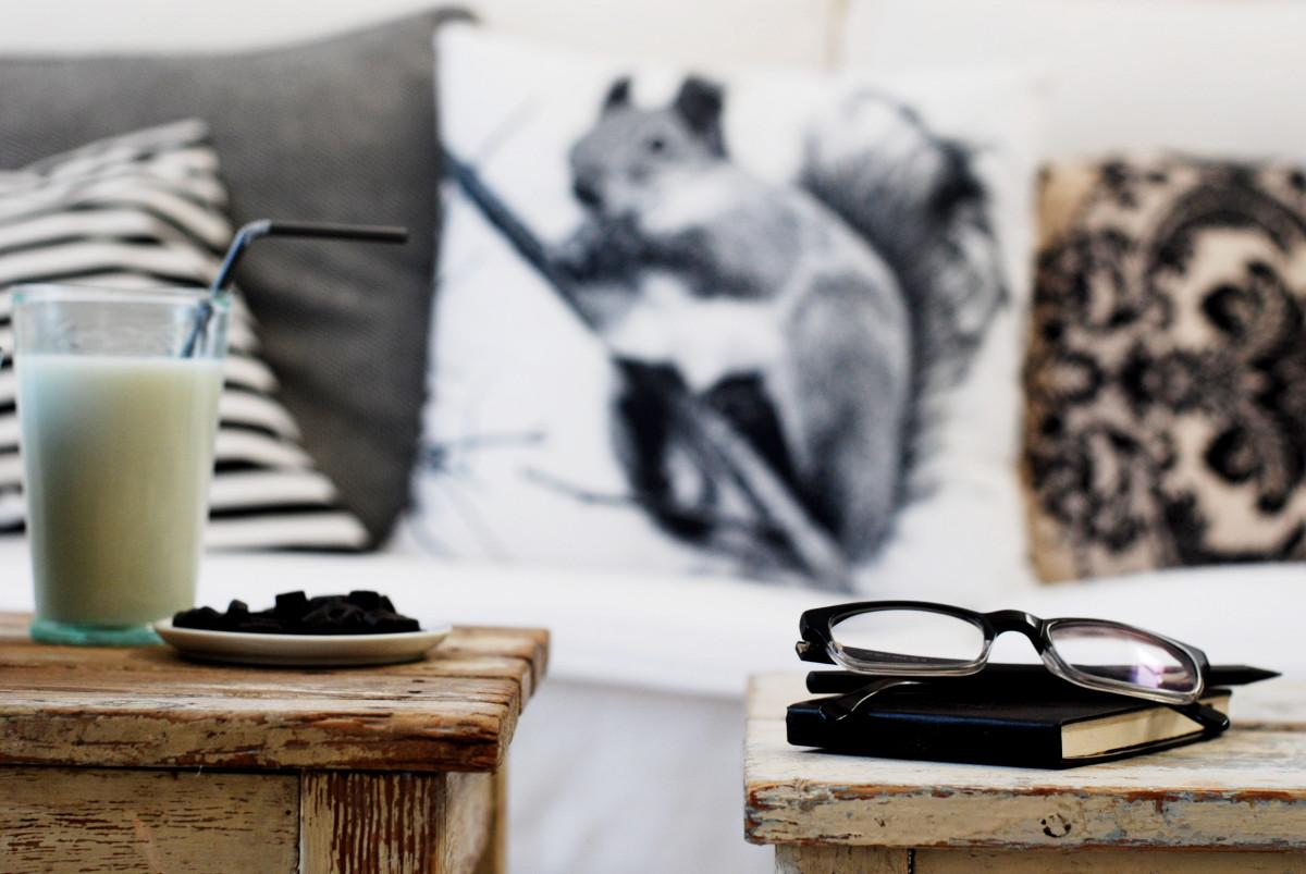 Deko Im Wohnzimmer In Schwarz Und Weiß