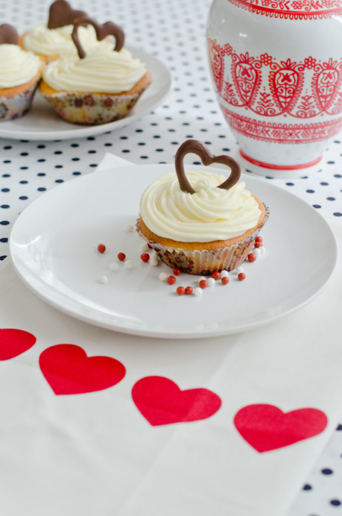 cupcake love leelah loves. Black Bedroom Furniture Sets. Home Design Ideas
