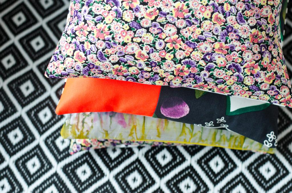 kissen archives leelah lovesleelah loves. Black Bedroom Furniture Sets. Home Design Ideas