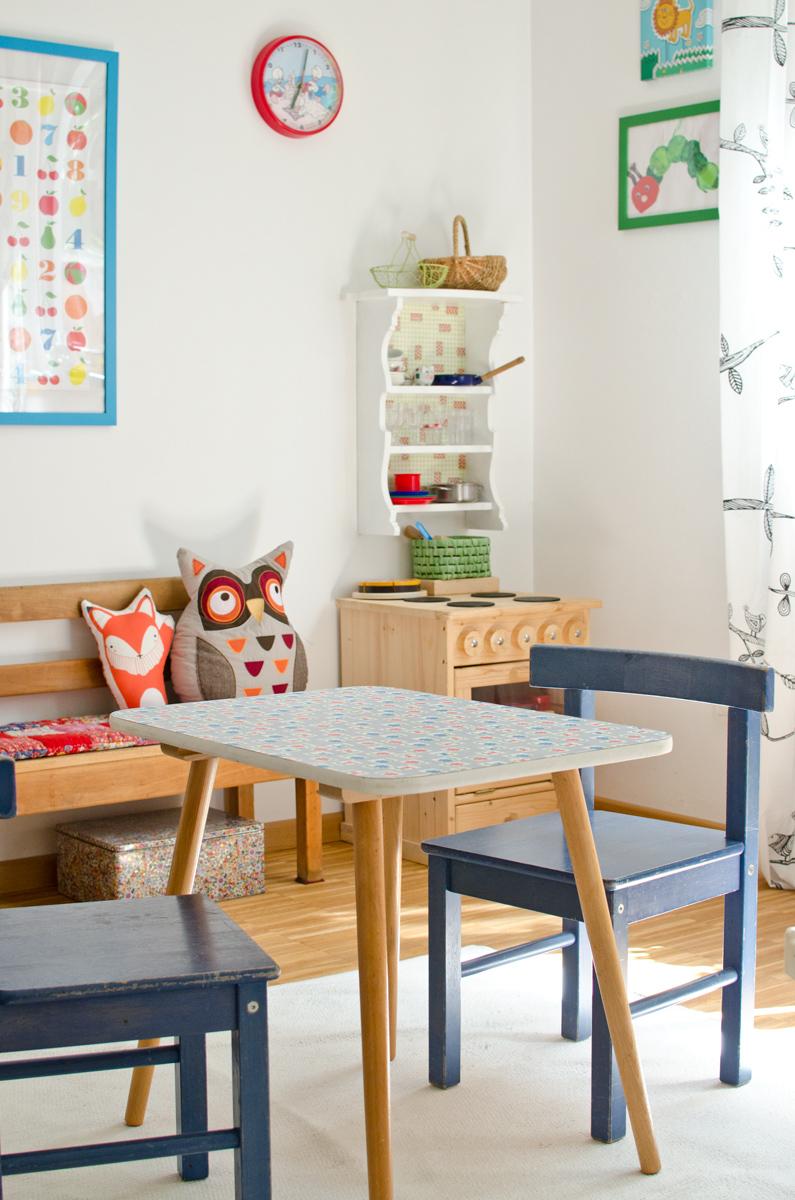 Kinderzimmer Mit Puppenkuche Und Sitzecke Im Vintage Stil Leelah Loves