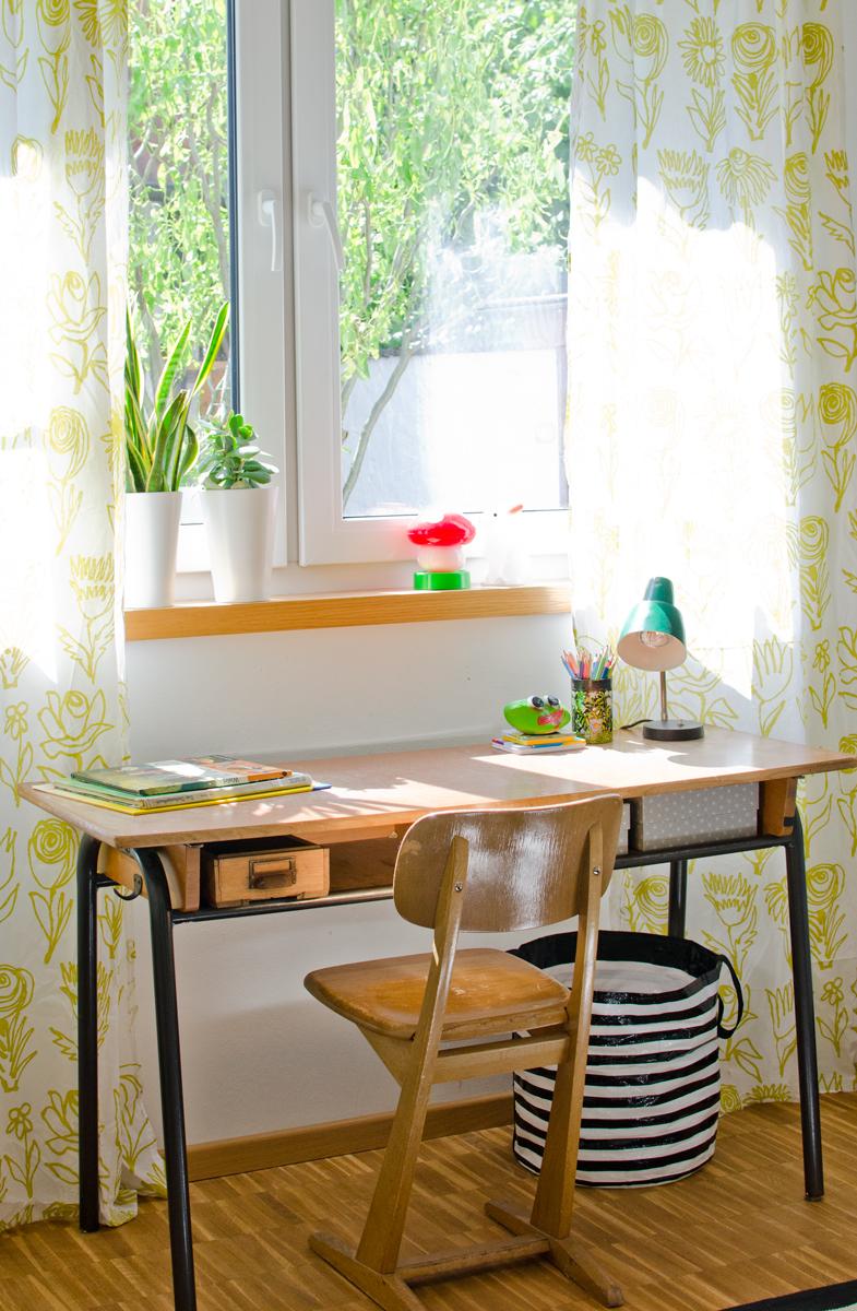 das zimmer des kleinen der gar nicht mehr so klein ist leelah loves. Black Bedroom Furniture Sets. Home Design Ideas
