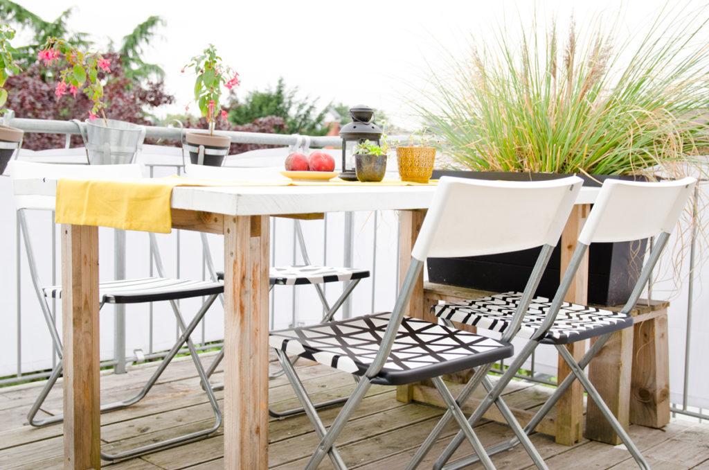 DIY Gartenstühle mit Lack und Schablonen aufarbeiten