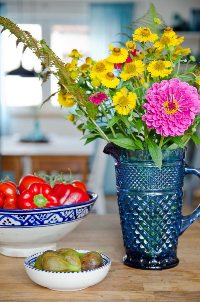 Wohnen mit Wohnzimmer Deko im Vintage Stil und bunten Farben