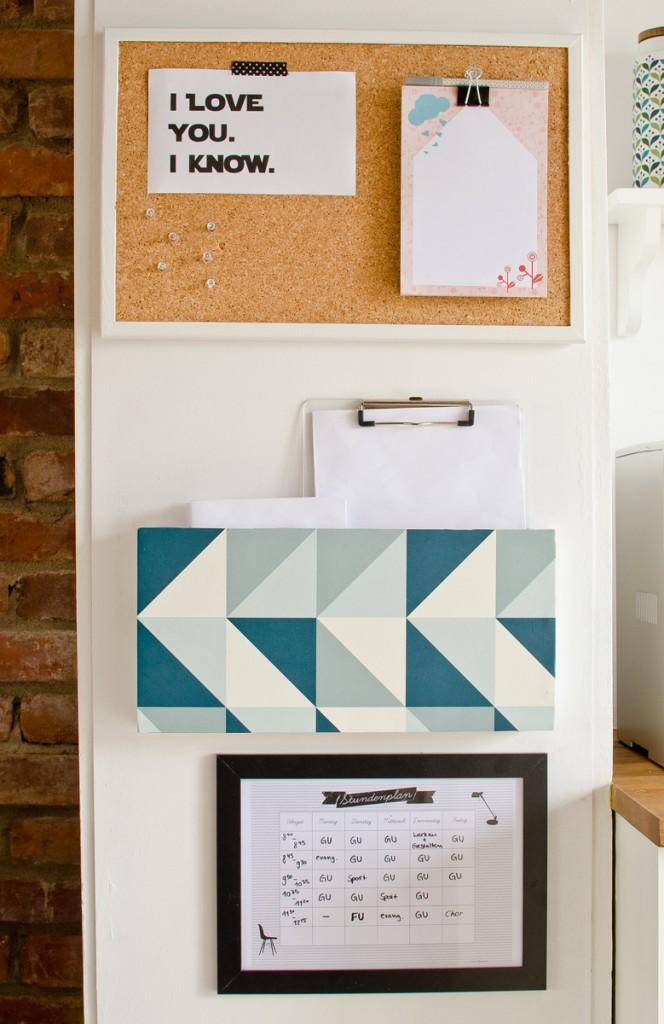 DIY Familien Organizer mit Utensilo und Pinnwand für die Küche