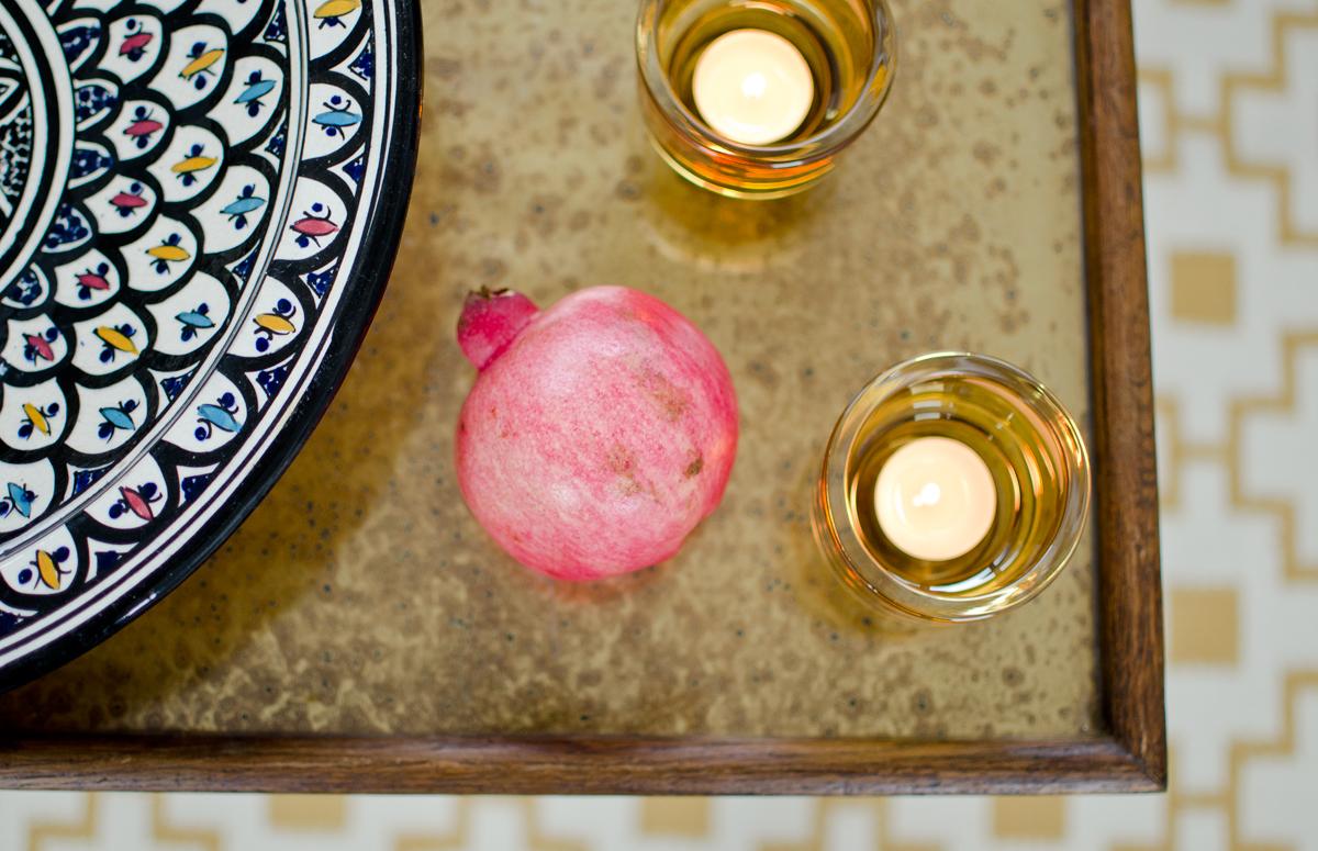Tapete Cappuccino Geschmack Des S?dens : dekoideen wohnzimmer grau : Dieses kleine vintage Tischchen auf Rollen