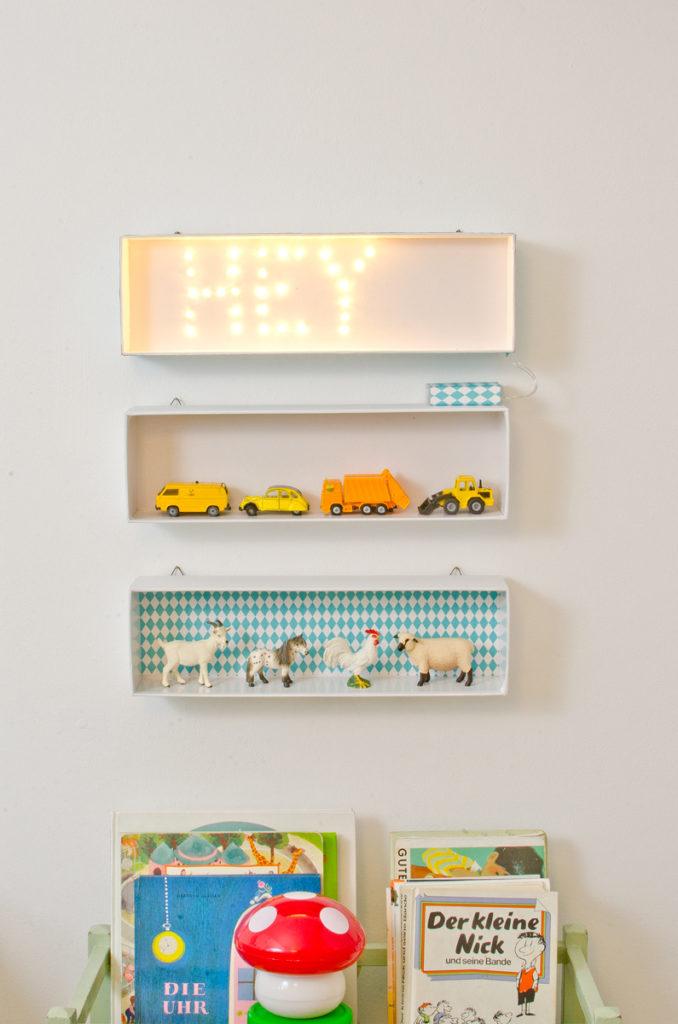 DIY Leuchtkasten mit Schrift und kleine upcycling Aufbewahrung für das  Kinderzimmer