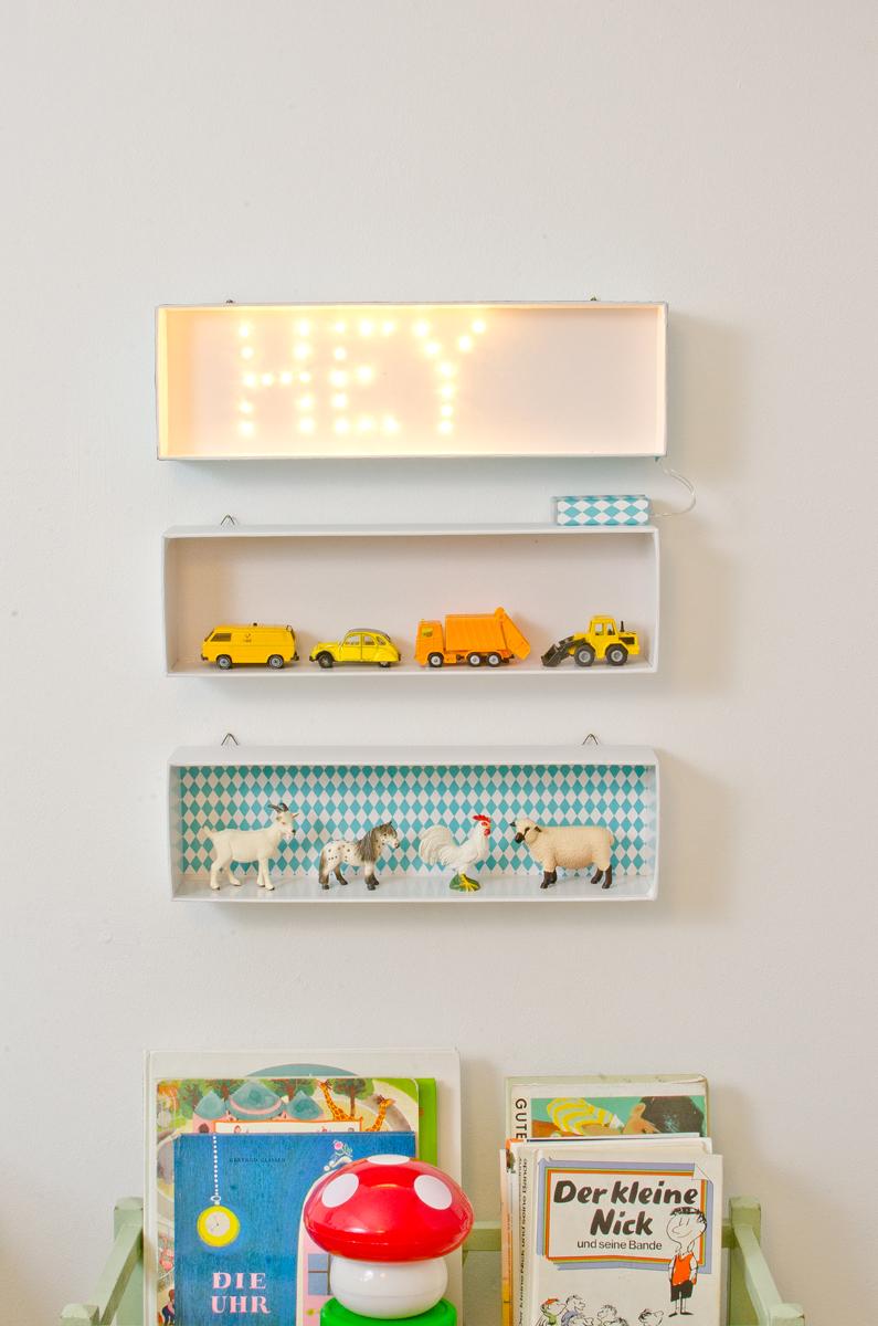 diy leuchtschrift f r s kinderzimmer upcycling leelah loves. Black Bedroom Furniture Sets. Home Design Ideas