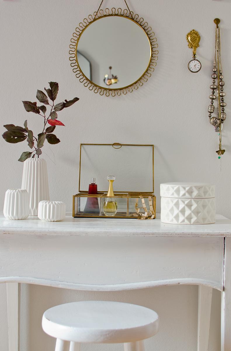 welcome h bsch interior to vintagewonderland leelah loves. Black Bedroom Furniture Sets. Home Design Ideas