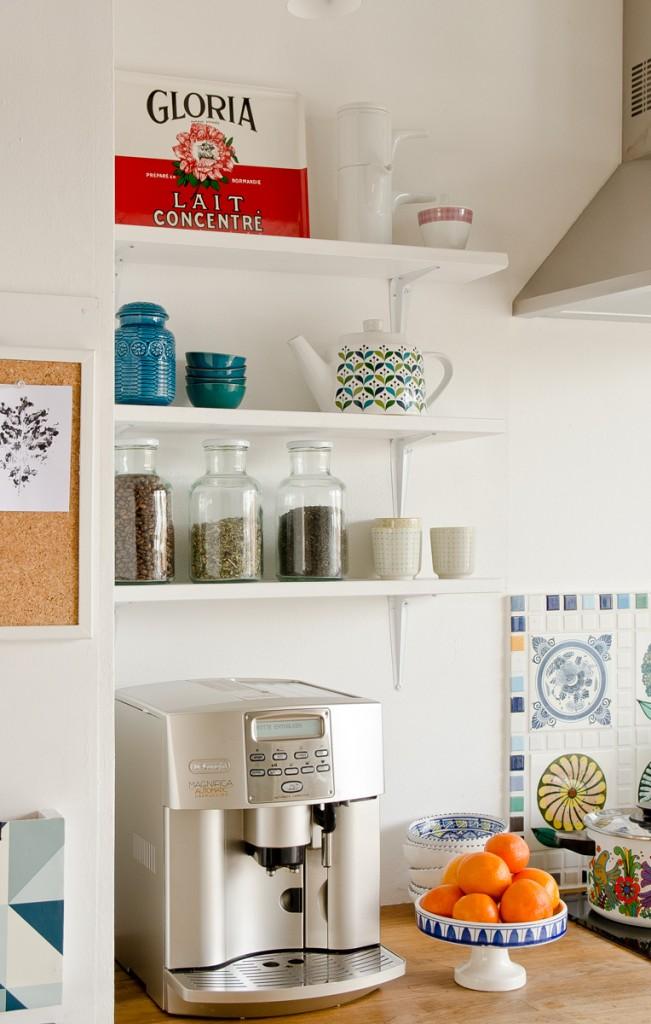 DIY Anleitung für günstige Regale als Ablage in der Küche