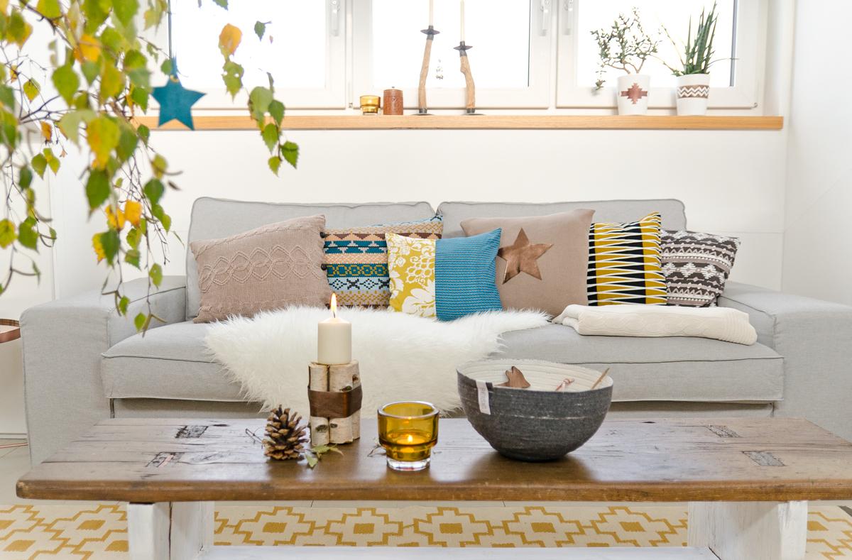 welche farbe passt kissen passt zu graue sofa. Black Bedroom Furniture Sets. Home Design Ideas