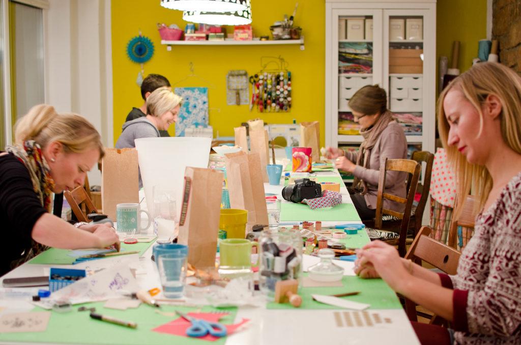 Bilder vom Weihnachtskarten DIY Workshop  mit Leelah loves