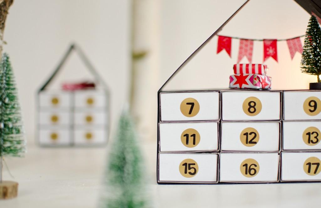 DIY Adventskalender in Haus Form aus Streichholzschachteln in Schwarz und Weiß mit Anleitung