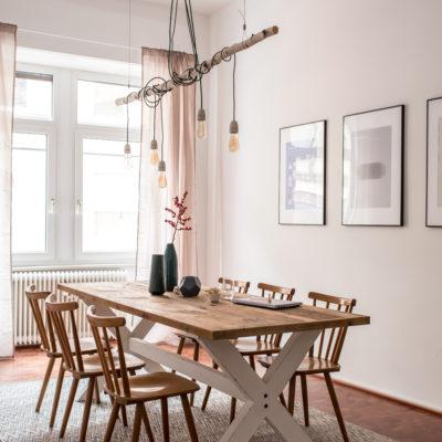 Die Agentur (nachher): Besprechungsraum und Kaffeebar (+Gewinnerin)