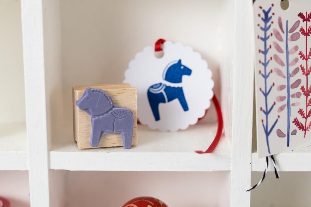 Adventsgeschenk Giveaway mit Kleinigkeiten aus Papier und einem Stempel von Dawanda