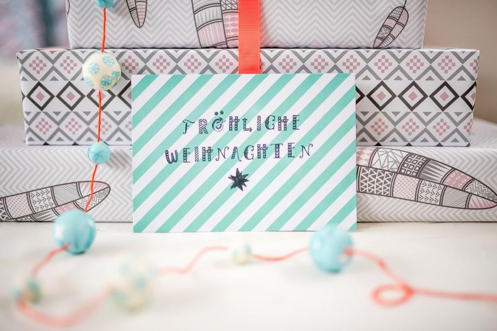 Dekoideen und Geschenkverpackung mit Geschenkpapier mit grafischen Mustern in Grau und Pastell Rosa im Ethn Look von vintagewonderland