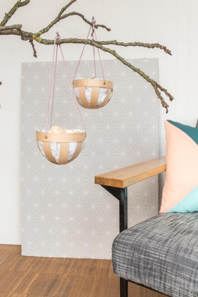 DIY Anleitung für hängende Osternester aus Holzfurnier als Deko für Zweige an Ostern