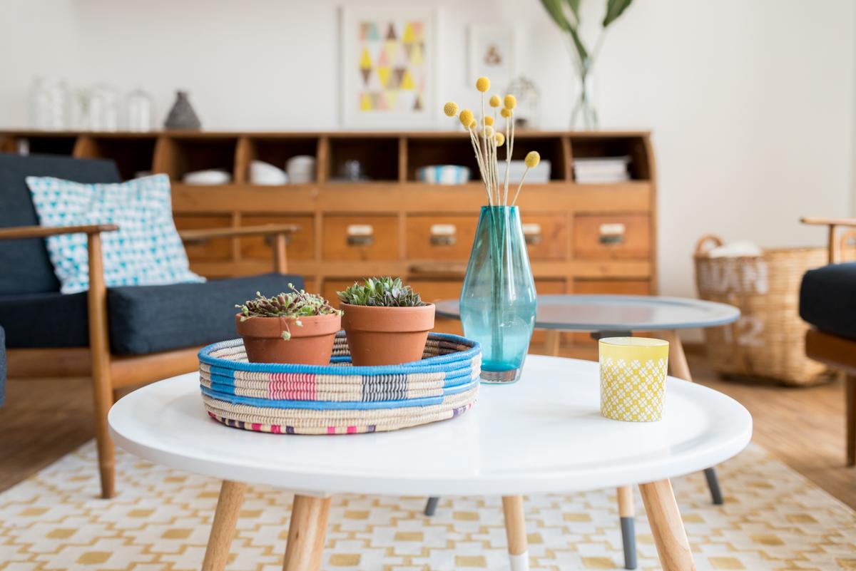 Wohnzimmer 60er stil retro wohnideen mit sofas und for Innenarchitektur 60er