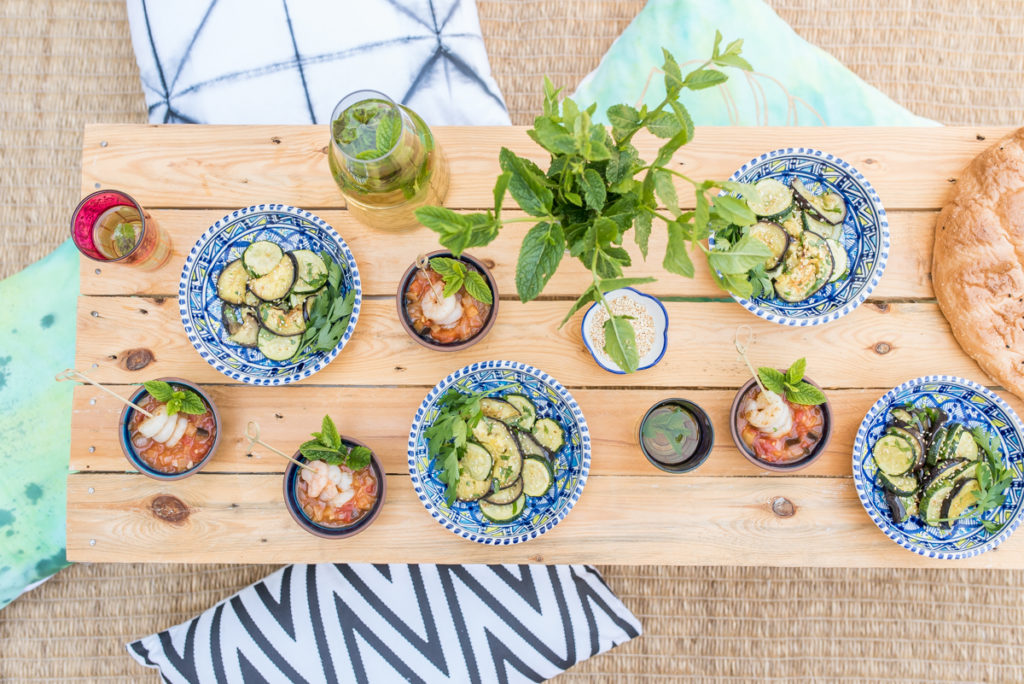 sommerliche Rezepte zum Grillen mit orientalischem Grillgemüse mit Sesam und Tomaten Auberginen Salsa