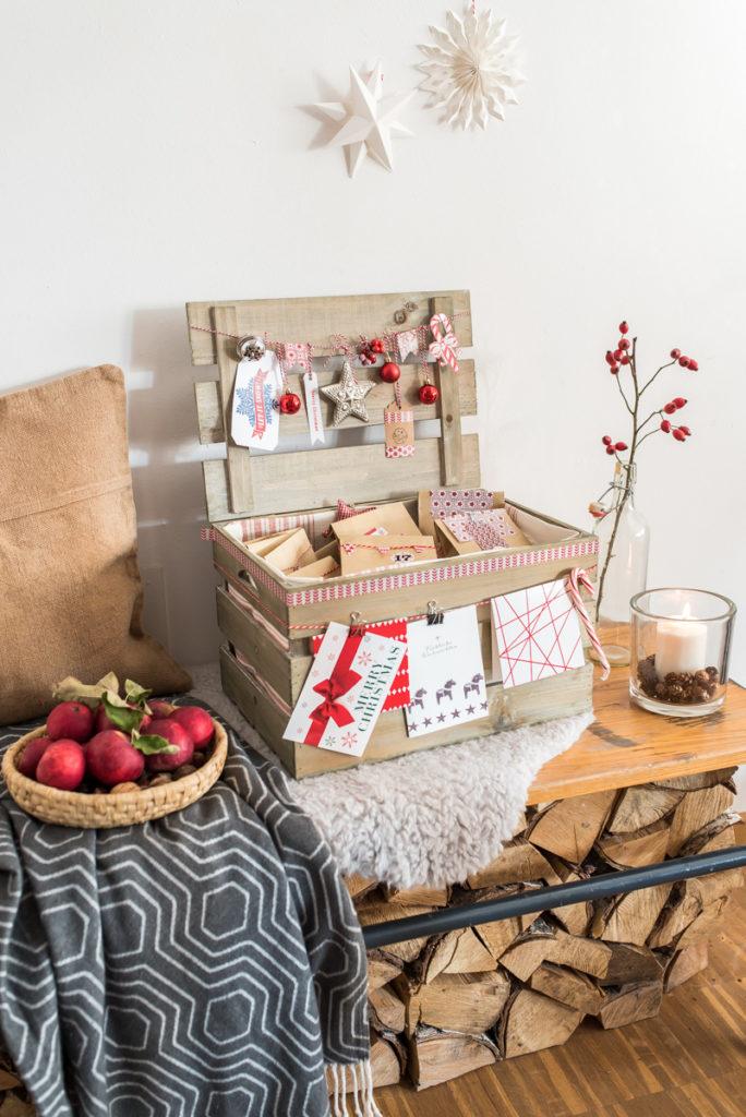 DIY Adventskalender mit Tüten in einer Holzkiste
