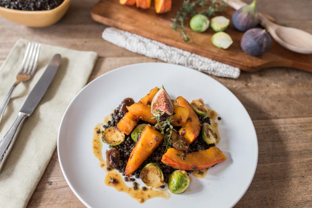 Herbstgemüse mit Beluga-Linsen und Orangen-Whiskey-Sauce