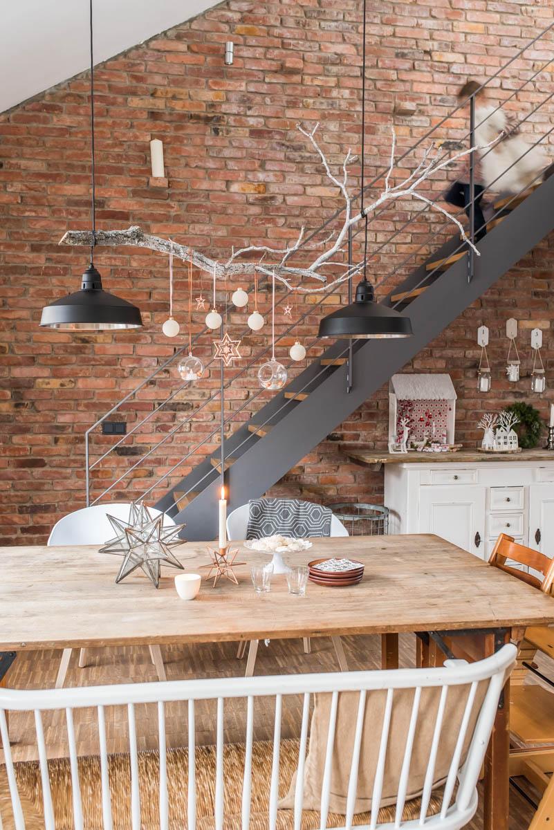 weihnachtsdeko ber dem esstisch leelah loves. Black Bedroom Furniture Sets. Home Design Ideas
