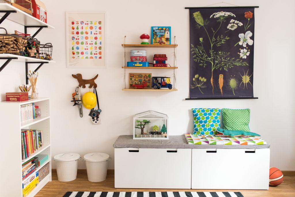 Deko und Einrichtungs Ideen mit Stauraum für das Jungen Kinderzimmer im vintage Look