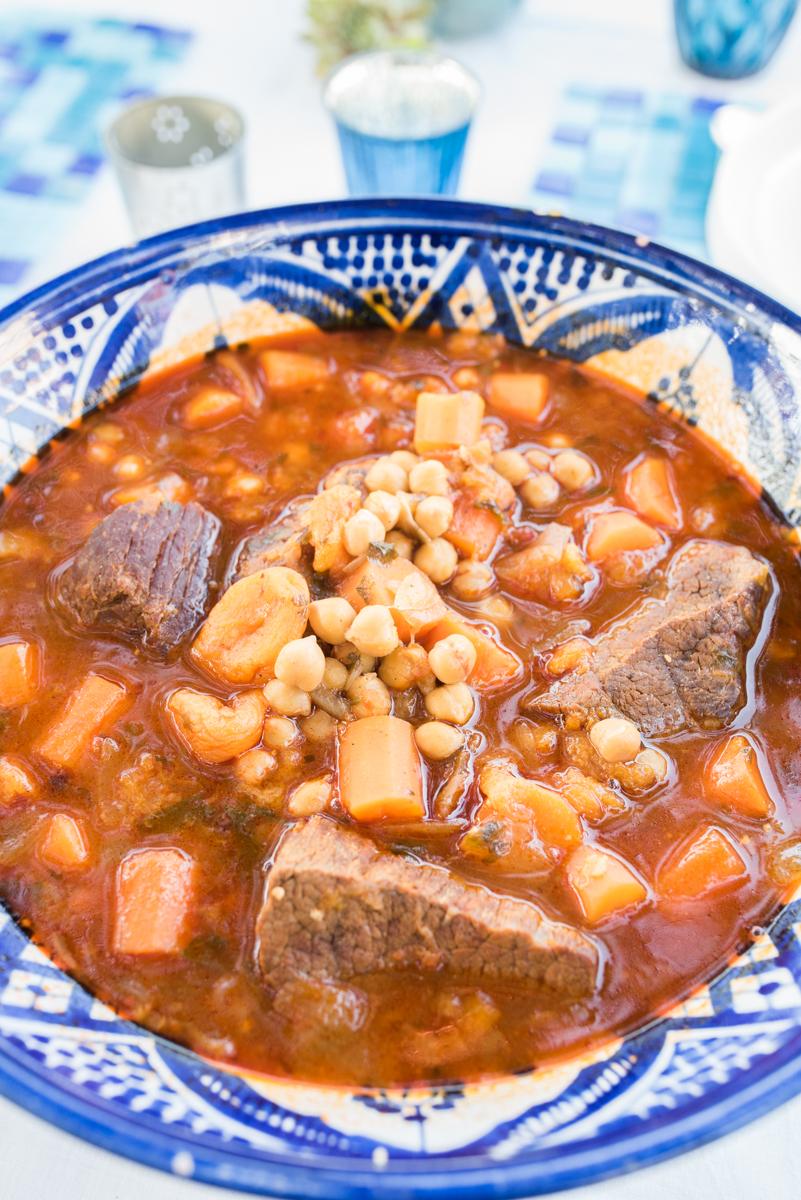 Rezept für orientalischen Schmortopf mit Orangen-Mandel Couscous