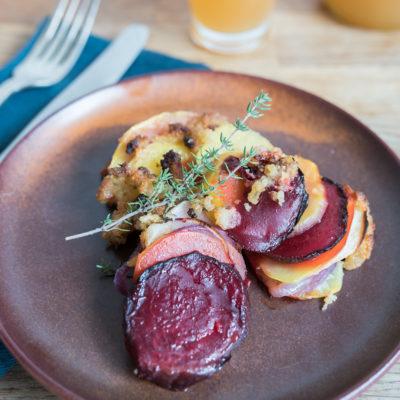 Herbstliches Ofengemüse mit Kartoffeln, Äpfeln und Rote Bete