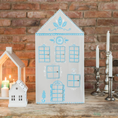 DIY – upcycling Adventskalender-Haus