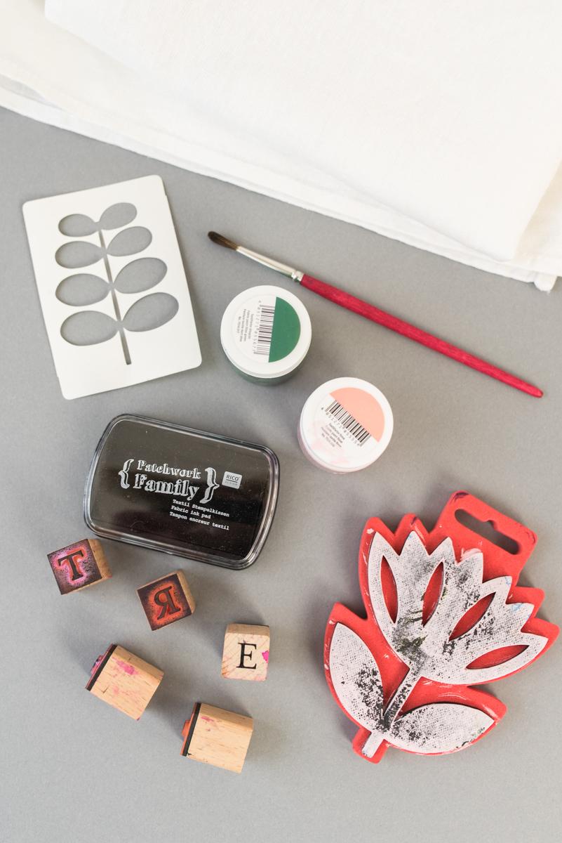 DIY Weihnachtsgeschenke selber machen mit Geschirrhandtüchern und Stempeln als Geschenk zu Weihnachten
