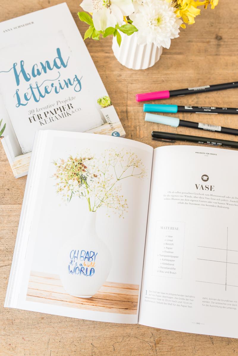 """Giveaway des Buchs """"Handlettering - 30 kreative Projekte für Papier, Keramik und Co"""" von Anna Schneider"""