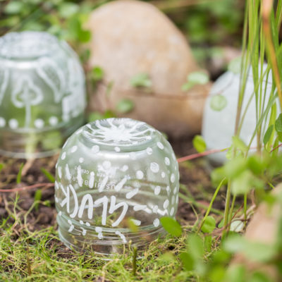 DIY – Gartendeko: Mondscheinkugeln (glow in the dark)