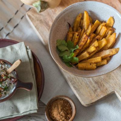Langsam wird es herbstlich: Kürbispommes mit Dattel-Koriander-Dip