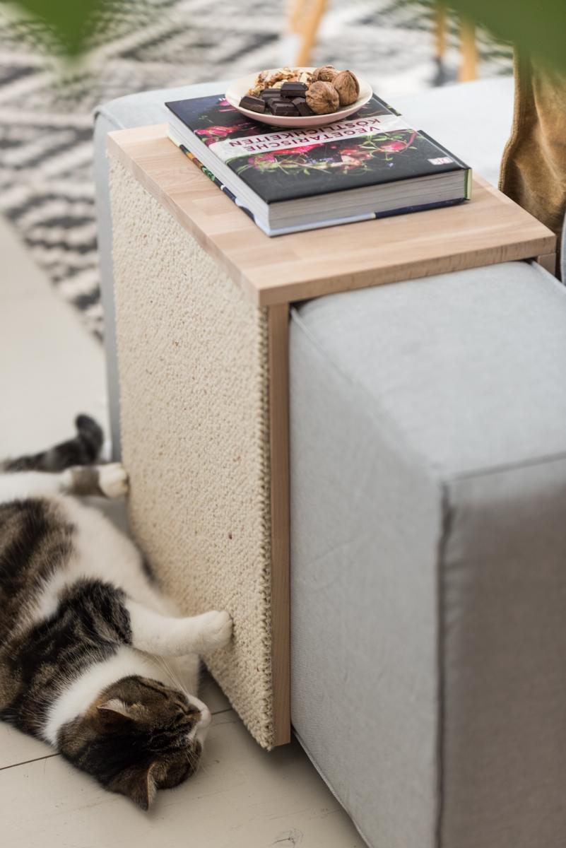 DIY Anleitung für einen Couchtisch als Katzen Kratzmöbel und praktischer Beistelltisch aus Holz