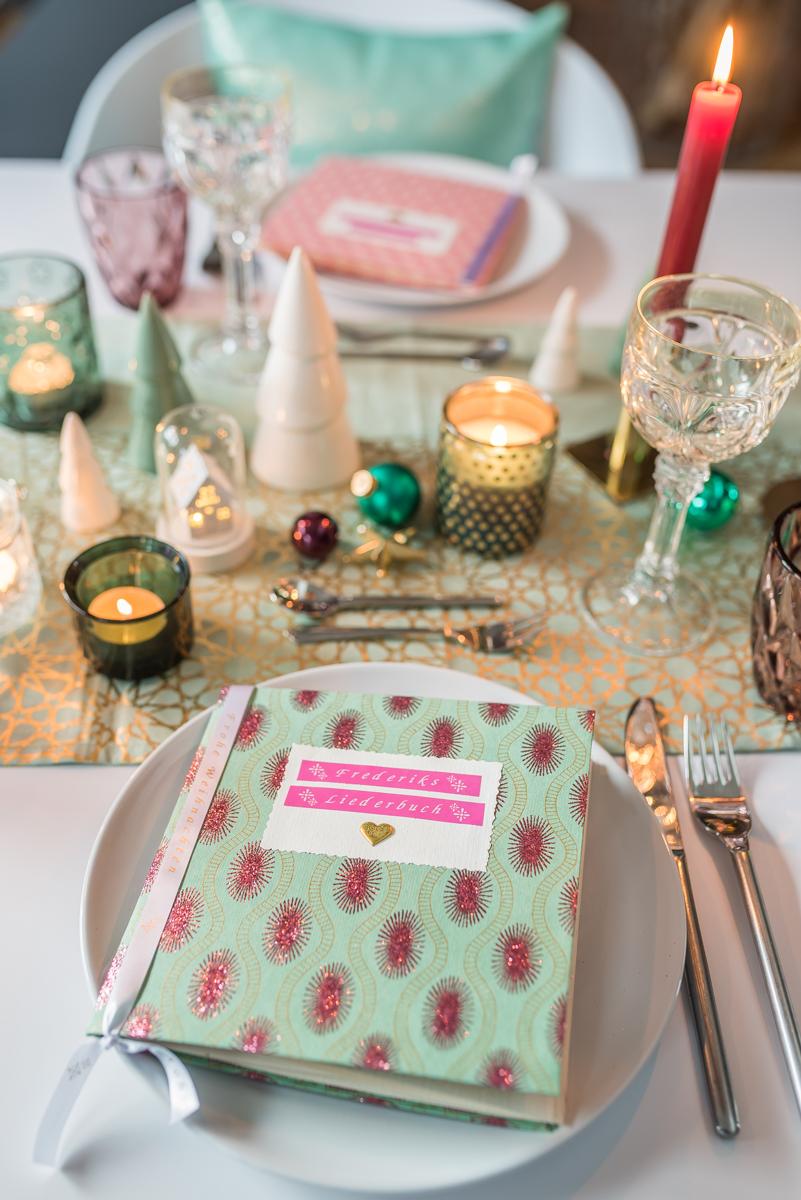 Diy liederbuch f r eure tischdeko an weihnachten und gewinnspiel leelah loves - Tischdeko weihnachten basteln ...