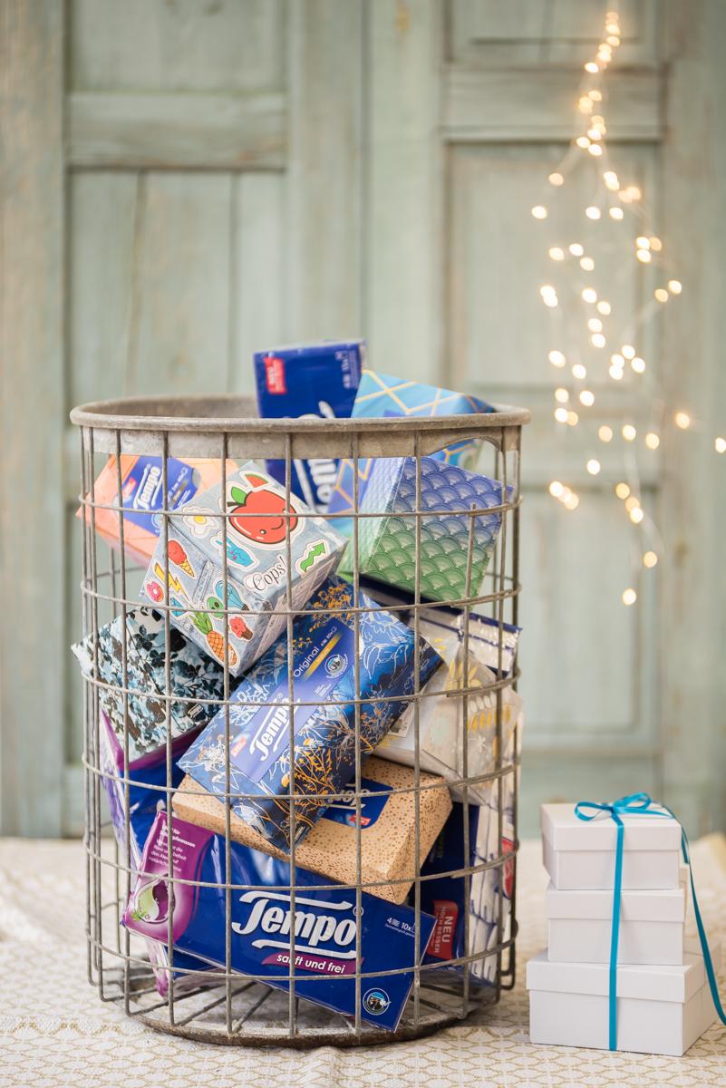 Anleitung für einen selbstgemachten DIY upcycling Adventskalender für die ganze Familie mit 24 Ideen für gemeinsame Zeit zu Weihnachten