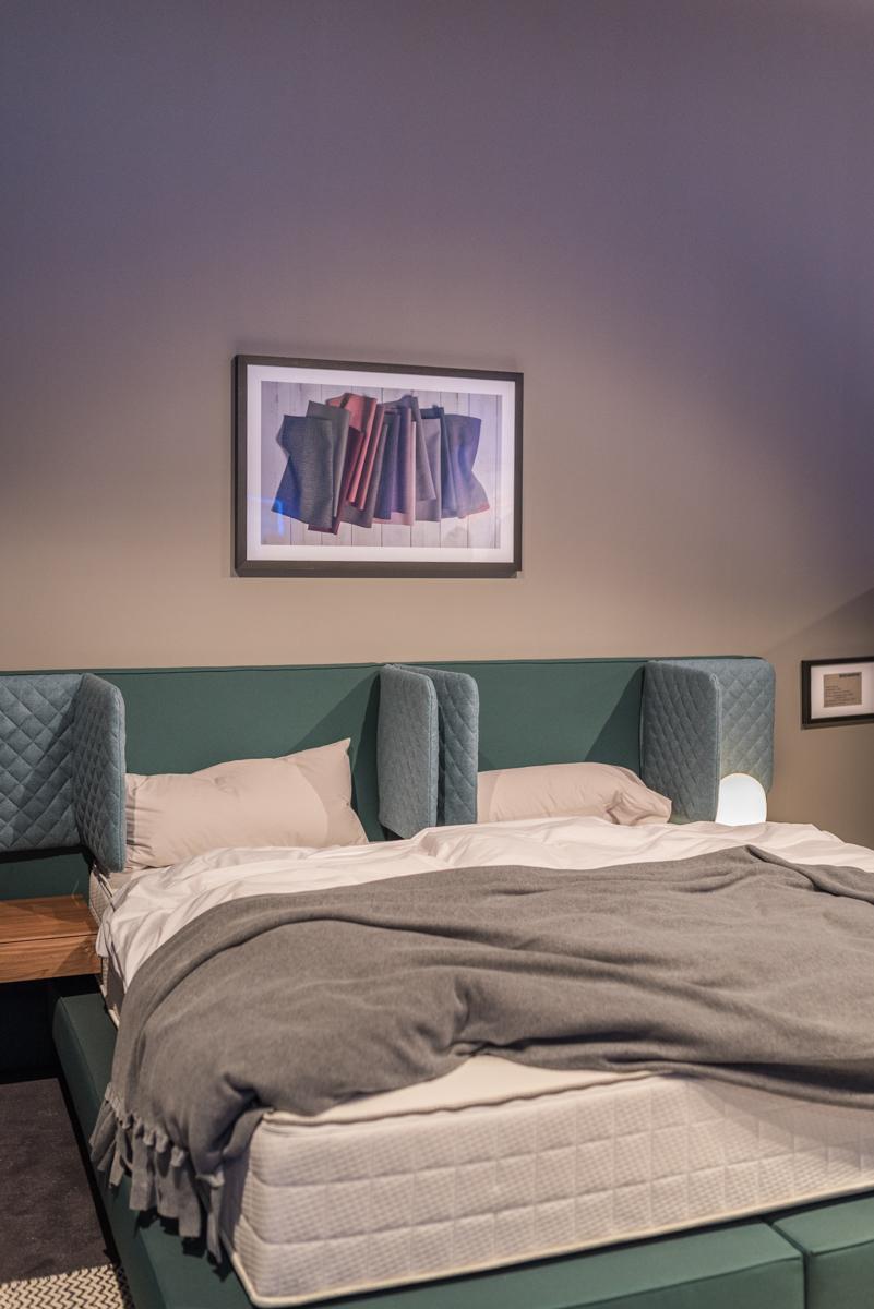 Trends von der imm cologne 2018 mit Betten von Schlaraffia, Farbtrends, Möbeltrends, Formen und Mustern