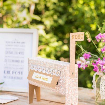 Beschäftigung für eure Gäste zur Hochzeit: der love mail Briefkasten