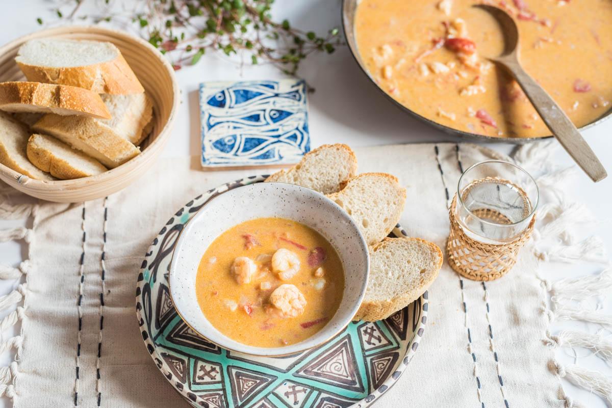 Lieblings Rezept für flambierte Curry Garnelen mit Tomaten, Kokosmilch und Pernod