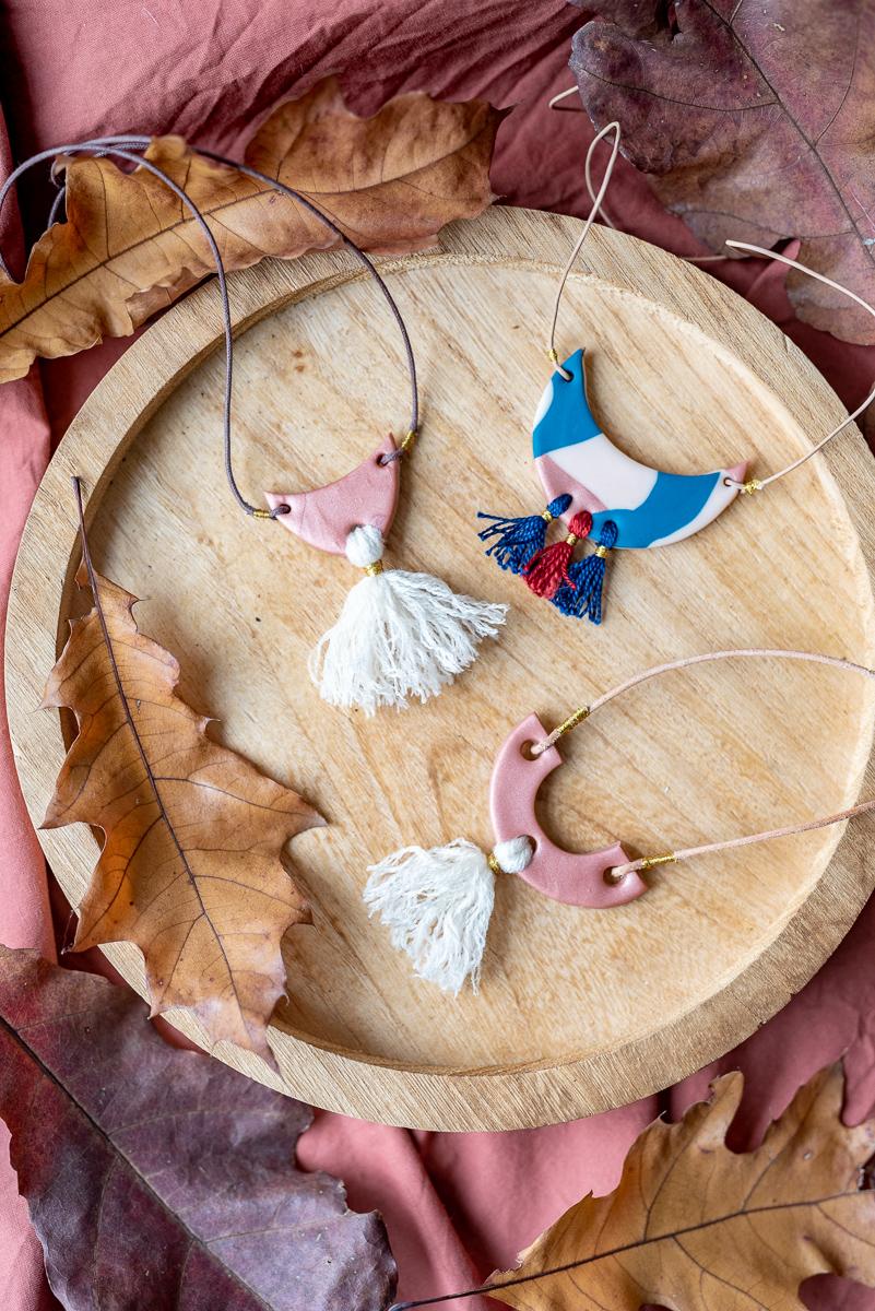Anleitung für selbst gemachte DIY Geschenke zu Weihnachten für Ketten aus Fimo mit Wolle im Boho Look als Weihnachtsgeschenk für die Freundin