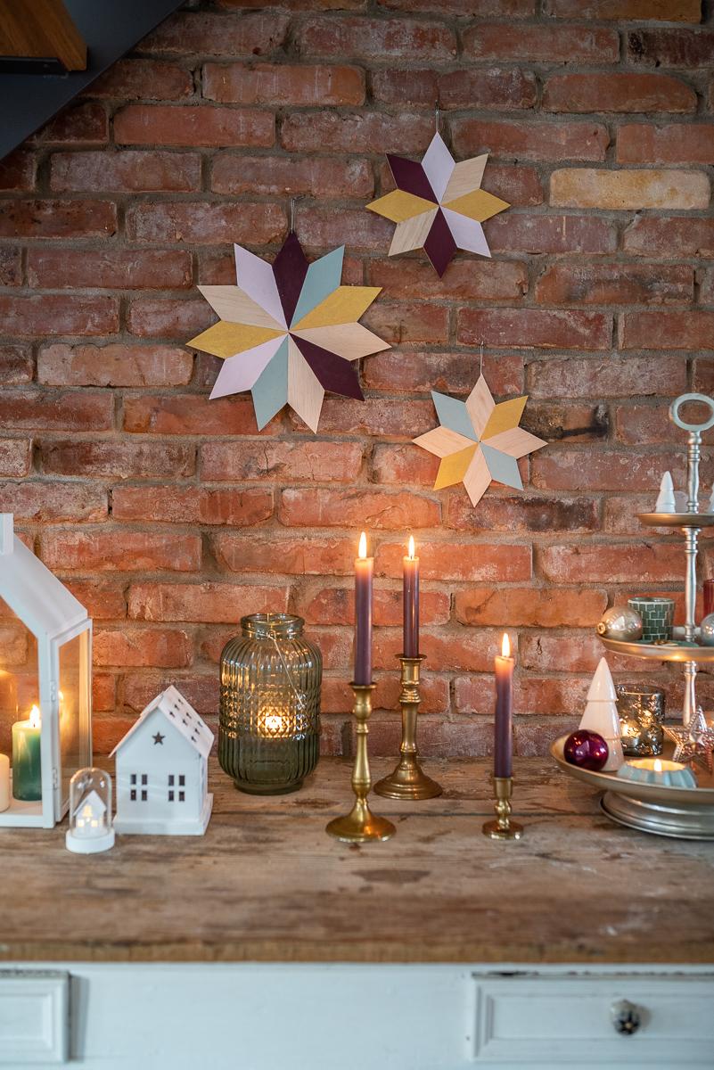 Anleitung für selbst gemachte DIY Weihnachtsdeko Sterne aus Balsaholz im skandinavischen Look als Deko für die Wand für Weihnachten