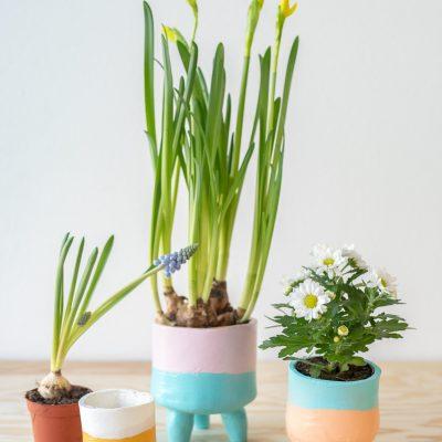 DIY - Frühlingsgruß: Blumentöpfe aus lufttrocknendem Ton