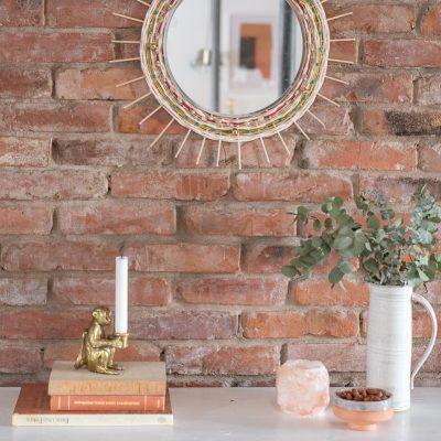 DIY - Spiegel mit Holzstäben und Wolle im Boho Look