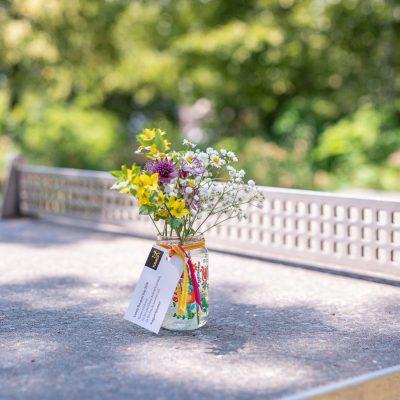 DIY - upcycling Vasen mit Blumenmuster