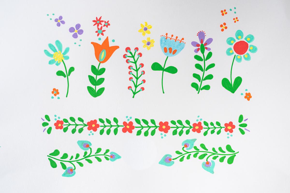 DIY Anleitung für eine upcycling Blumen Vase aus Einmachgläsern mit Blumenmuster im Hippie Folklore Look