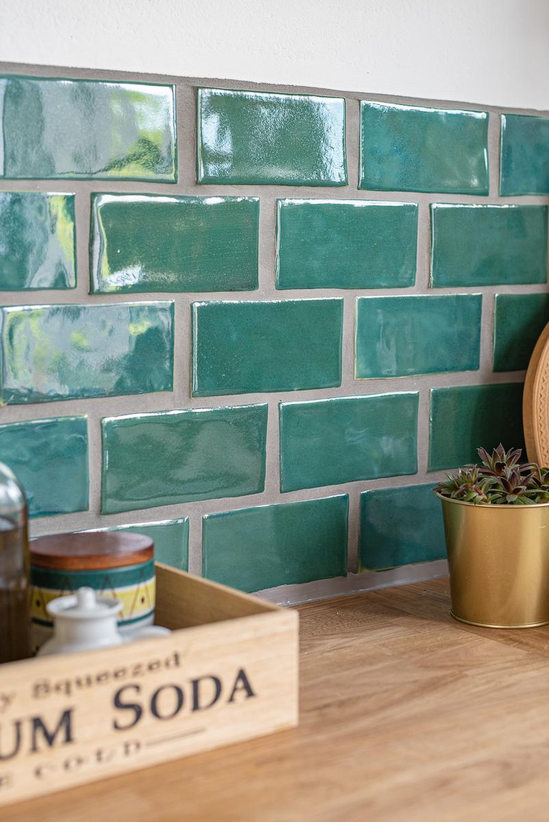 Tipps und Tricks zum schneiden, trocknen und glasieren von selbst getöpferten U Bahn Fliesen für die Küche