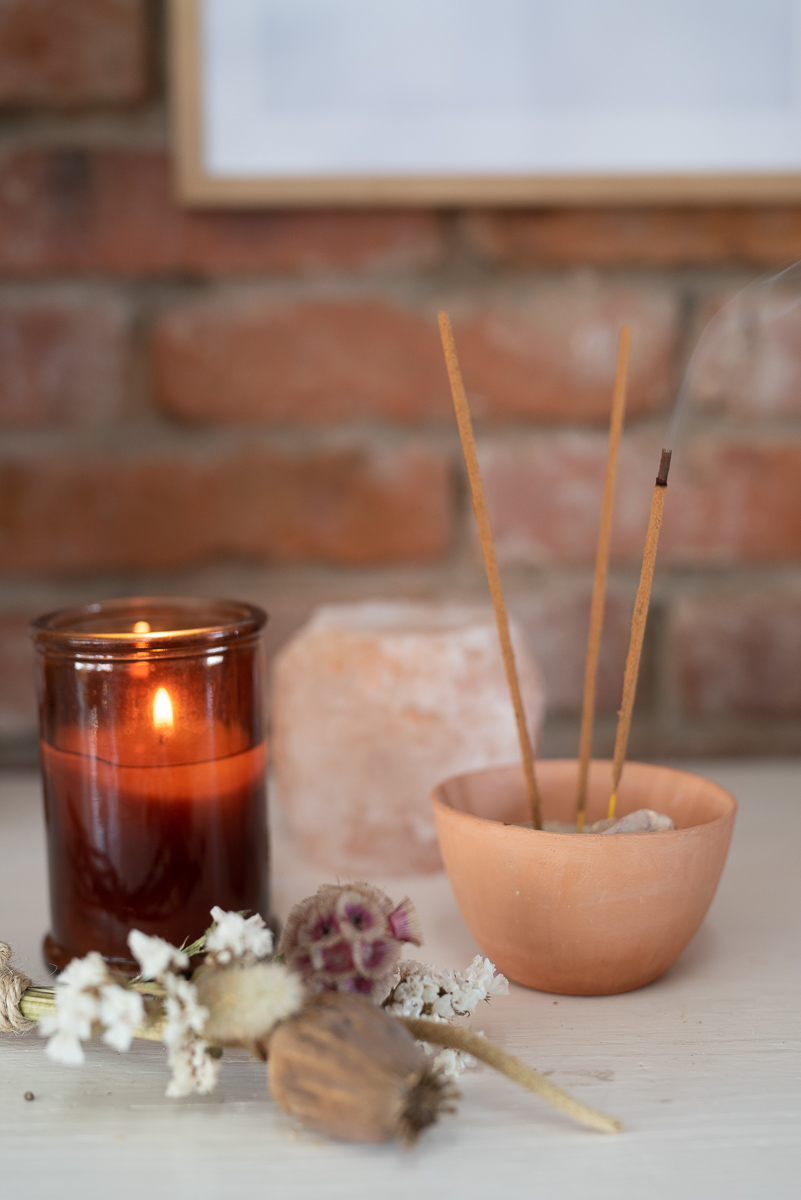 DIY Deko Ideen mit Trockenblumen: selbstgemachte Mandala Blumen Wanddeko im Boho Look