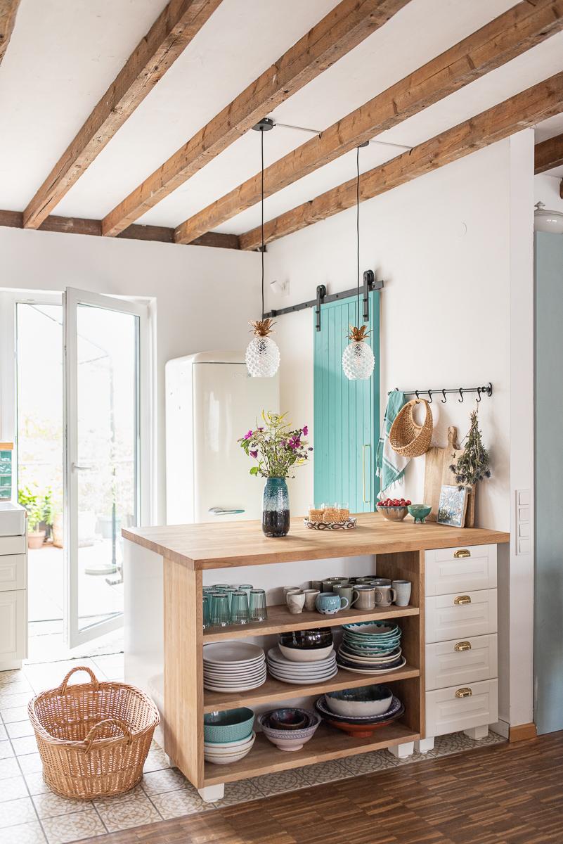 Dekoideen vom Deko Blog für das Wohnzimmer im Boho vintage Look mit Ethno Muster, Farben und Flohmarkt Accessoires