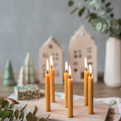 Schnelles DIY - Kerzenbrett als Tischdeko selbermachen