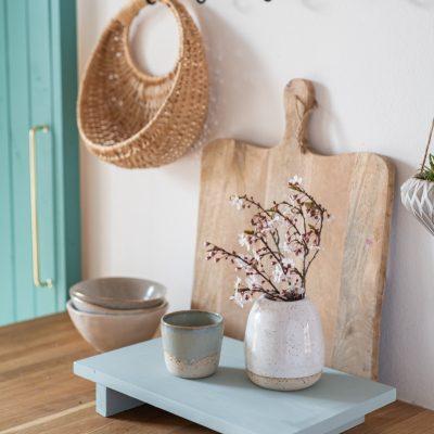 DIY - einfaches Dekotablett aus Holzresten für den Frühling